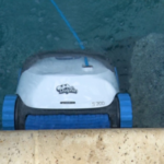 Dolphin 300 Pool Cleaner climbing wall